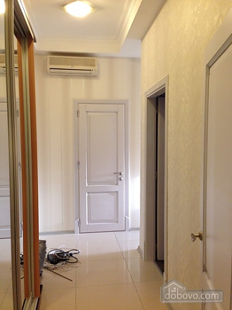 Оперный театр, 2х-комнатная (52002), 016
