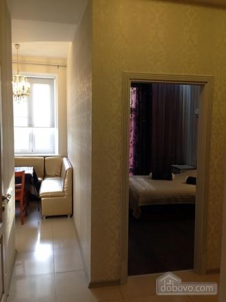 Opera Theatre, One Bedroom (52002), 017