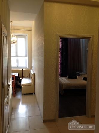 Opera Theatre, One Bedroom (52002), 018