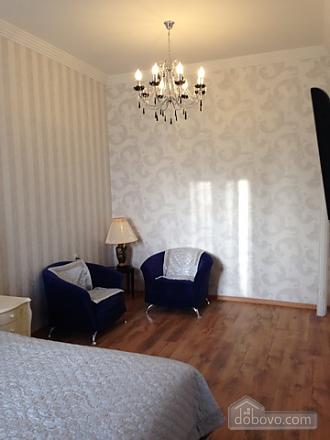 Opera Theatre, One Bedroom (52002), 019