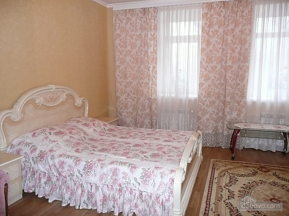 The rooms in Kamenetz-Podolsk, Studio (74650), 028