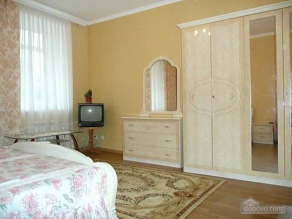 The rooms in Kamenetz-Podolsk, Studio (74650), 029