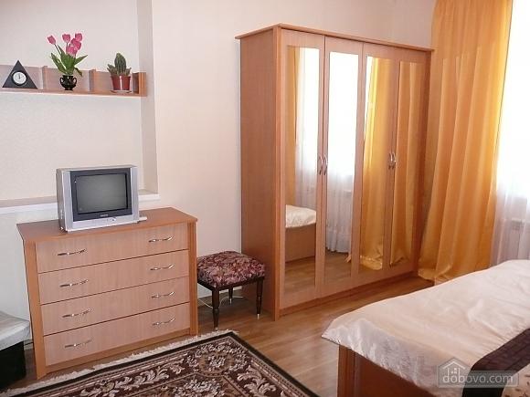 The rooms in Kamenetz-Podolsk, Studio (74650), 031