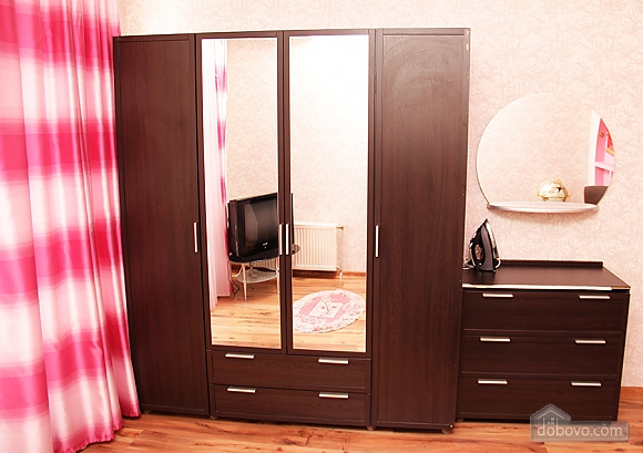 Arkadia, Un chambre (97233), 006
