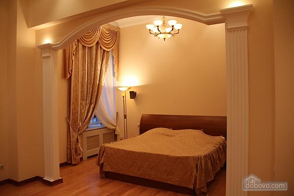 Преміум-апартаменти, 2-кімнатна (52991), 001