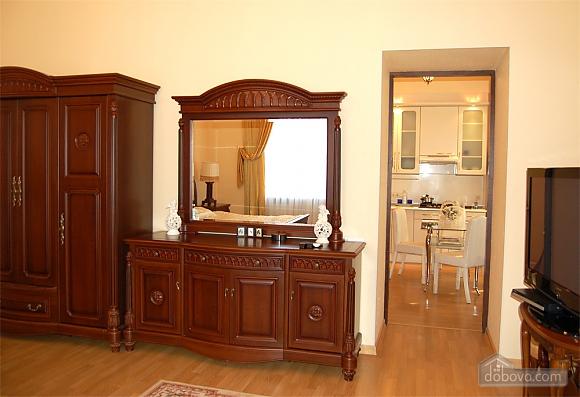 VIP apartment, One Bedroom (30541), 003
