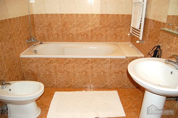 With sauna, Studio (53057), 004