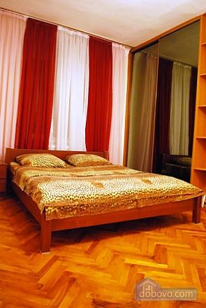 На Бессарабке (Крещатик), 2х-комнатная (76364), 001