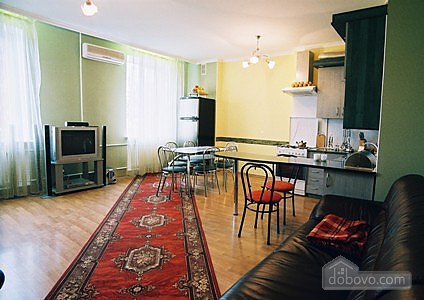 In the historical center, Three Bedroom (99672), 002