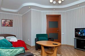 Уютная  квартира рядом с м. Святошино в парковой зоне, 1-комнатная, 001