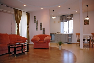 Beautiful apartment in the heart of Odessa, Una Camera, 003