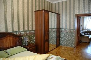 10 Дерибасовская, 2х-комнатная, 002