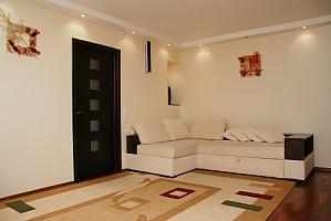 Квартира на вулиці Госпітальній, 2-кімнатна, 001