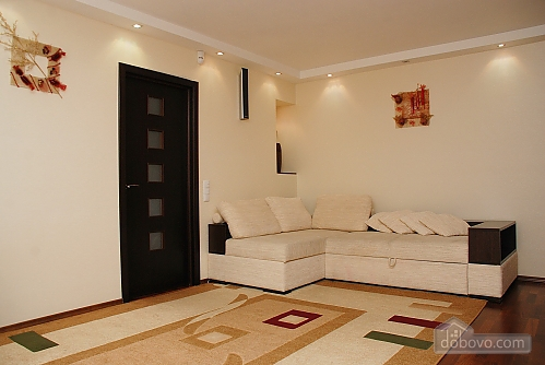 Квартира на вулиці Госпітальній, 2-кімнатна (79680), 001