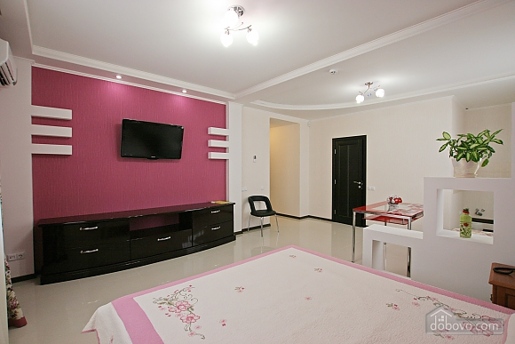 Suit in a mini-hotel, Studio (34846), 001