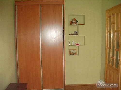 Small and cozy apartment in the center of Kharkov, One Bedroom (34912), 005