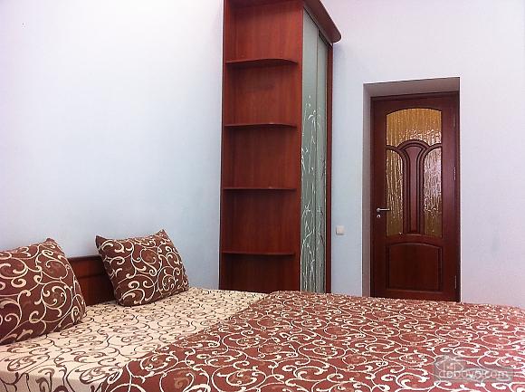 12 Саксаганского, 2х-комнатная (57560), 007