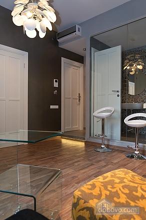 Top floor luxury designed one-bedroom apartment with bath, Un chambre (35439), 002