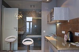 Роскошные дизайнерский апартаменты с одной кроватью на верхнем этаже с ванной, 2х-комнатная, 004