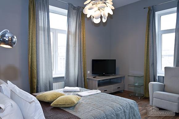 Top floor modern studio street view apartment with bath, Studio (80471), 002