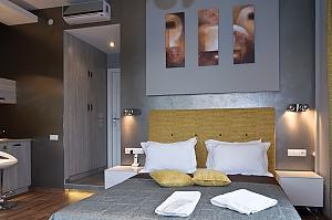 Top floor modern studio street view apartment with bath, Studio, 003