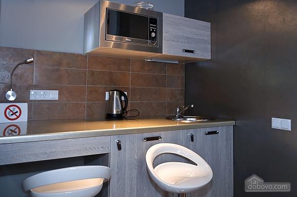 Top floor modern studio street view apartment with bath, Studio (80471), 009