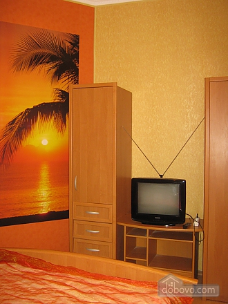 Квартира в историческом центре, 2х-комнатная (32848), 007