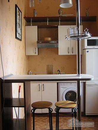 Квартира в историческом центре, 2х-комнатная (32848), 009
