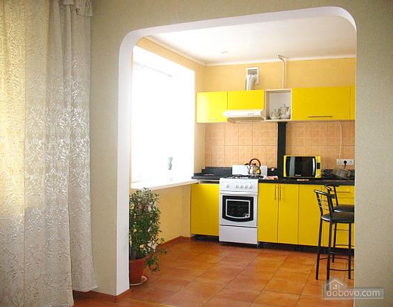 Затишна квартира з новим євроремонтом, 1-кімнатна (11057), 002