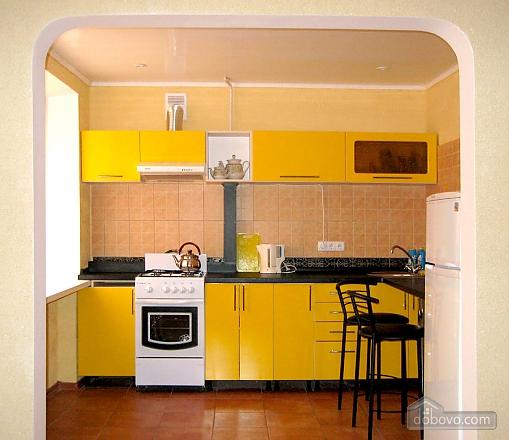 Затишна квартира з новим євроремонтом, 1-кімнатна (11057), 003