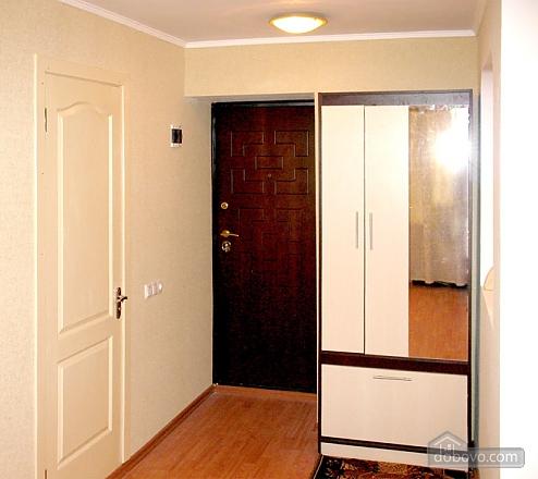 Затишна квартира з новим євроремонтом, 1-кімнатна (11057), 005
