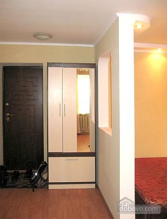 Затишна квартира з новим євроремонтом, 1-кімнатна (11057), 006