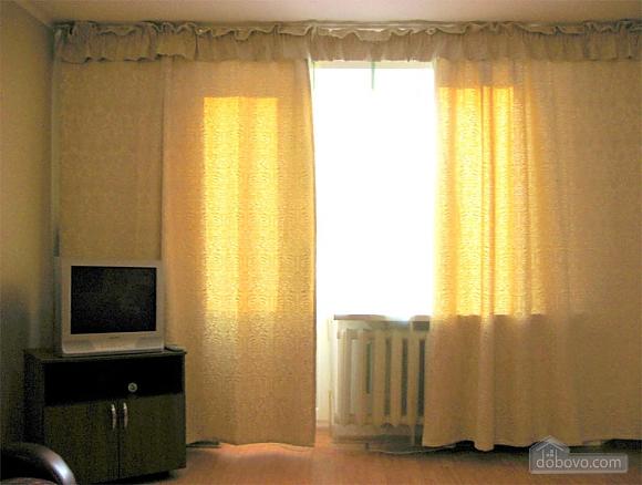 Затишна квартира з новим євроремонтом, 1-кімнатна (11057), 008