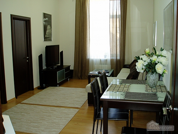 Near Zoloti Vorota, Two Bedroom (78672), 001