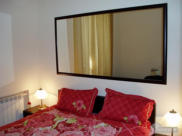 Near Zoloti Vorota, Two Bedroom (78672), 005