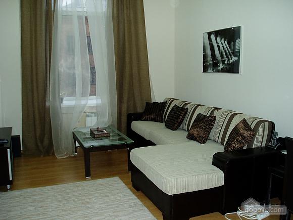 Near Zoloti Vorota, Two Bedroom (78672), 010