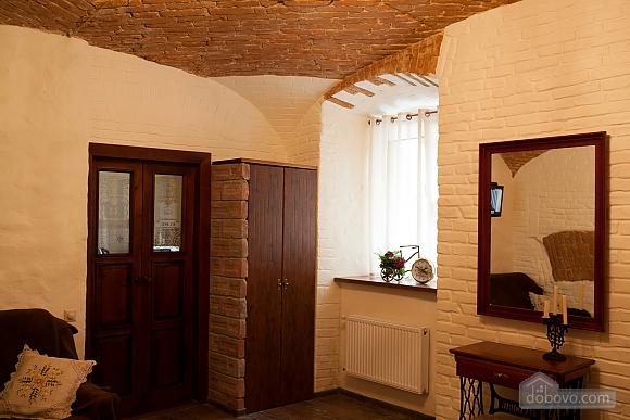 Apartment in the center, Studio (81176), 002