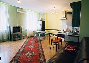 Квартира в історичному центрі, 4-кімнатна, 001