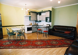 In the historical center, Three Bedroom, 002