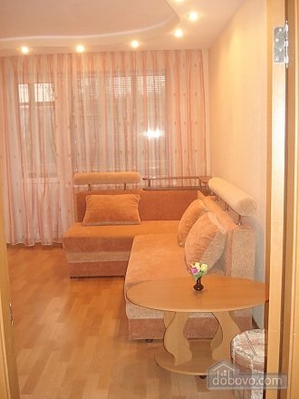 Уютная комфортабельная квартира с евроремонтом, 2х-комнатная (14748), 003