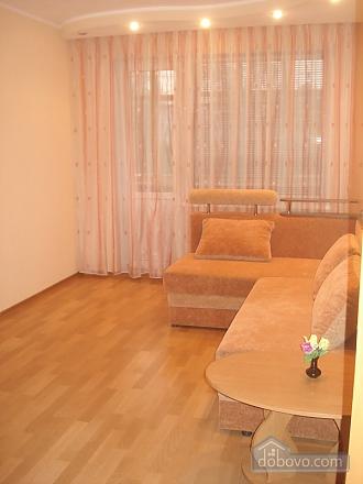 Уютная комфортабельная квартира с евроремонтом, 2х-комнатная (14748), 004