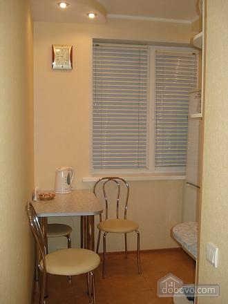 Уютная комфортабельная квартира с евроремонтом, 2х-комнатная (14748), 009
