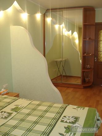 Уютная комфортабельная квартира с евроремонтом, 2х-комнатная (14748), 008