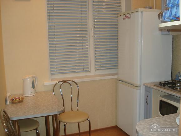Уютная комфортабельная квартира с евроремонтом, 2х-комнатная (14748), 010