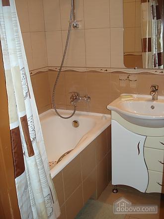 Уютная комфортабельная квартира с евроремонтом, 2х-комнатная (14748), 013