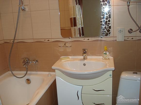 Уютная комфортабельная квартира с евроремонтом, 2х-комнатная (14748), 014