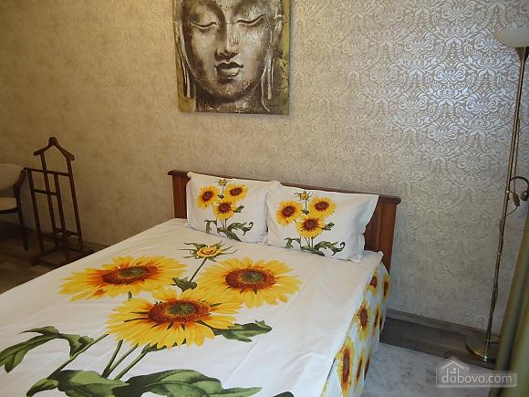 Екатерининская, 2х-комнатная (15605), 001