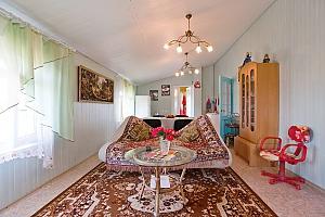 Квартира на берегу моря в жилмассиве Луч, 3х-комнатная, 003