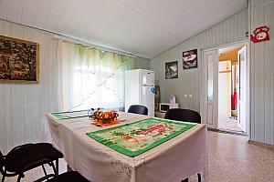 Квартира на берегу моря в жилмассиве Луч, 3х-комнатная, 004