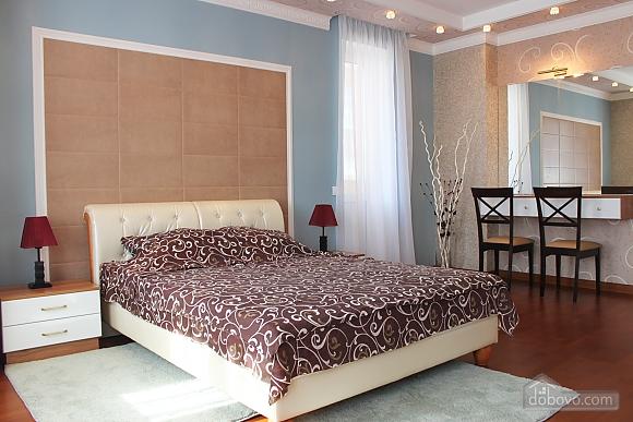 Суперлюкс апартаменты в центральном районе, 2х-комнатная (61495), 006